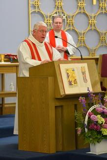 Bishop Celebrates Mass to begin Year of Mercy Pilgrimage